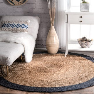 The Gray Barn Cinch Buckle Braided Reversible Border Jute Rug (6' Round)