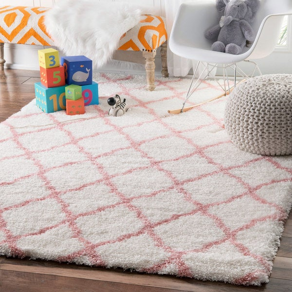 nuLOOM Soft and Plush Cloudy Shag Trellis Kids Nursery Baby Pink Rug (3'3 x 5')