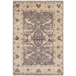 eCarpetGallery Royal Ushak Grey Wool Hand-Knotted Rug (4'0 x 5'9)