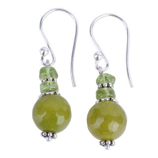 Handcrafted Sterling Silver 'Peaceful Green' Agate Peridot Earrings (India)