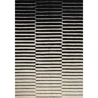 Kennedy Ivory/Black Cotton/Wool Tufted Area Rug (9' x 12')