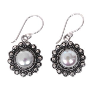 Handcrafted Sterling Silver 'Strong Sun' Cultured Pearl Earrings (8 mm) (Indonesia)