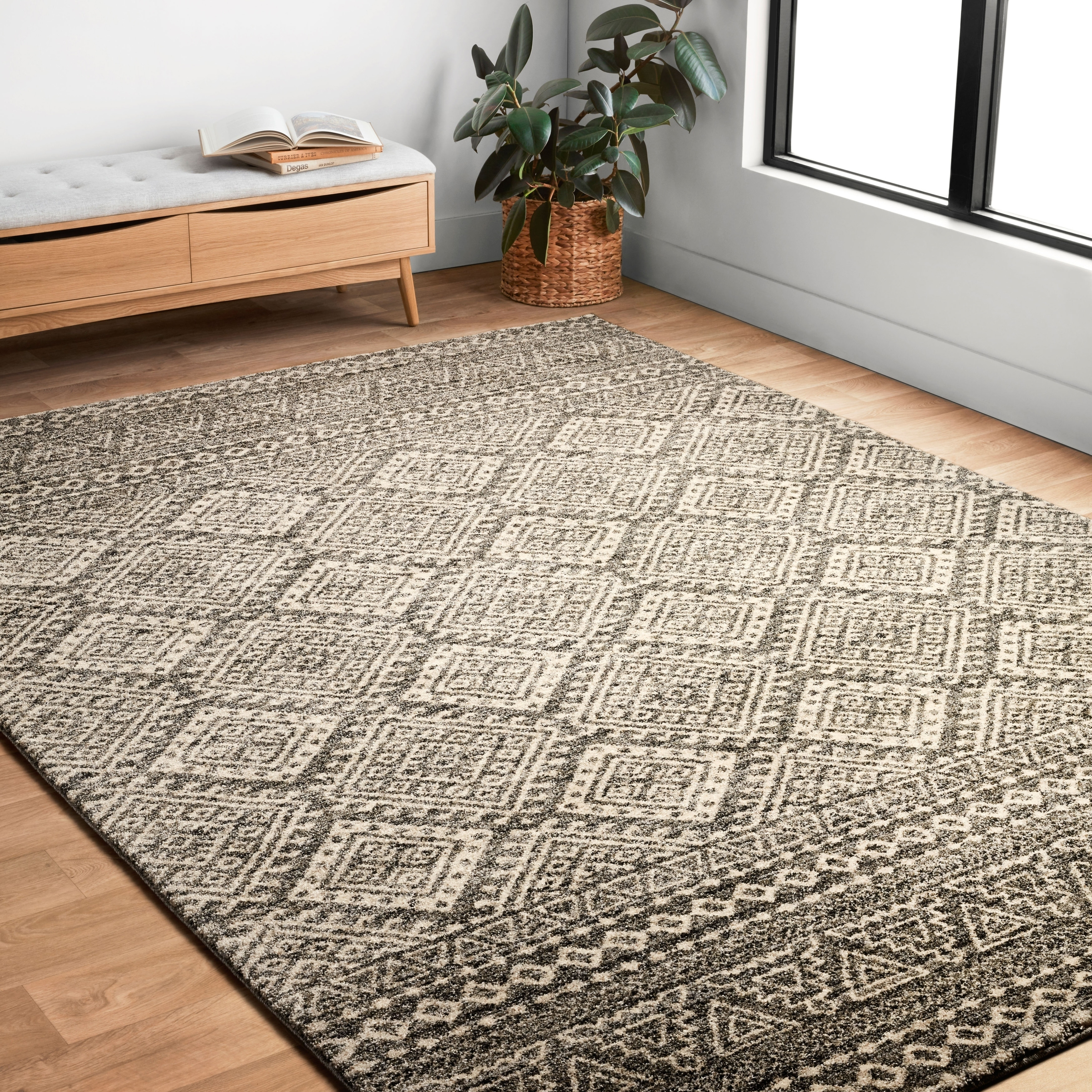 Alexander Home Brently Graphite/ Ivory Abstract Rug (3'10...