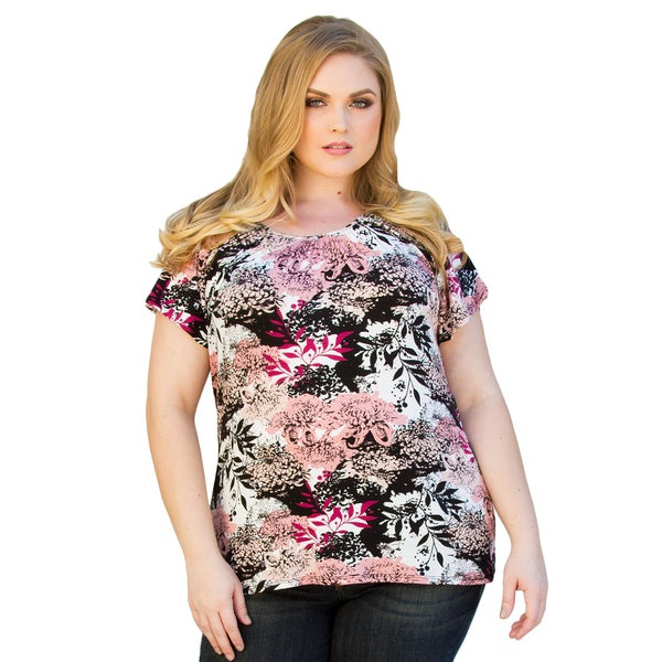 Sealed with a Kiss Women's Plus Size Pretty Flutter Top