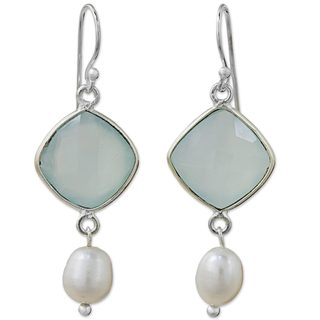 Handmade Sterling Silver 'Sweet Morning' Chalcedony Cultured Pearl Earrings (7 mm) (Thailand)