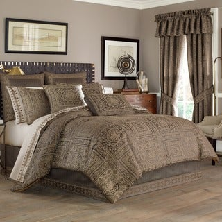 Five Queens Court Warwick Woven Jacquard 4-piece Comforter Set (3 options available)
