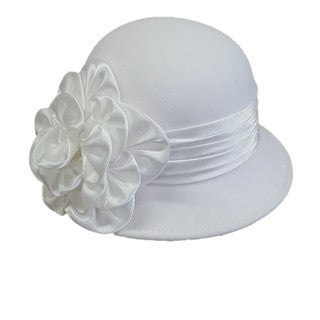 Swan Feeling Felt 'Cashmere' White Cloche Hat