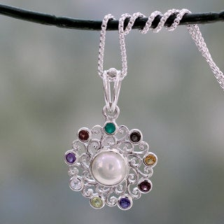 Handcrafted Sterling Silver 'Rainbow Halo' Multi-gemstone Necklace (8 mm) (India)