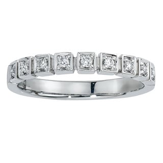 10k White Gold 1/6ct TDW Diamond Stack Band (H-I, I2-I3) by Ever One