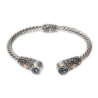 Handmade Gold Accent Sterling Silver 'Sukawati Secret' Blue Topaz Bracelet (Indonesia)