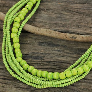 Handcrafted Littleleaf Boxwood 'Oasis Dance' Necklace (Thailand)