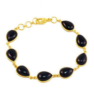 Handcrafted Gold-plated Brass Black Onyx Bracelet (India)