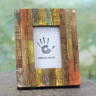 Handcrafted Mango Wood 'Making Memories' Photo Frame (4x6) (India)
