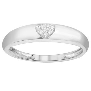 Trillion Designs 10k White Gold Diamond Accent Heart Cluster Wedding Band (H-I, I1-I2)