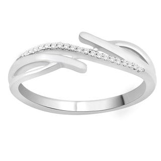 Trillion Designs 10k White Gold Diamond Accent Cluster Wedding Band (H-I, I1-I2)