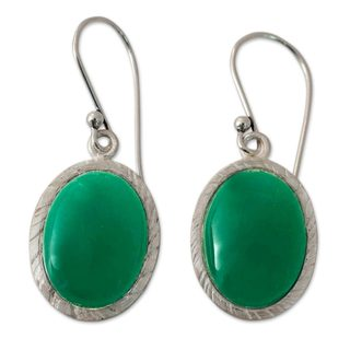 Handcrafted Sterling Silver 'Woodland Dew' Green Onyx Earrings (India)