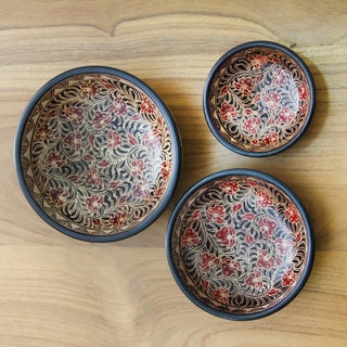 Set of 3 Handcrafted Wadang Wood 'Javanese Vines' Batik Centerpieces (Indonesia)