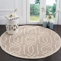 Safavieh Handmade Bella Sand / Ivory Wool Rug - 5' Round