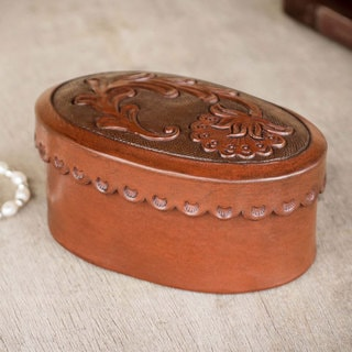 Handcrafted Leather 'Mountain Thistle' Decorative Box (Peru)