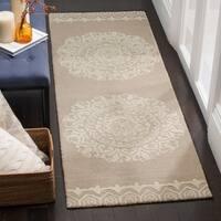 Safavieh Handmade Bella Beige / Ivory Wool Rug (2' 3 x 7')