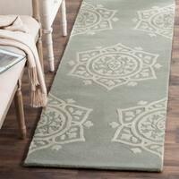 Safavieh Handmade Bella Grey / Ivory Wool Rug - 2' 3 x 7'