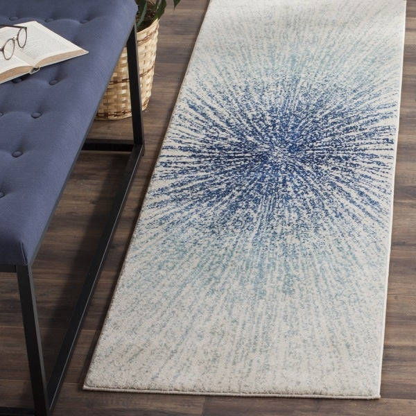 Safavieh Evoke Vintage Abstract Burst Royal Blue/ Ivory Distressed Rug (2' 3 x 7')