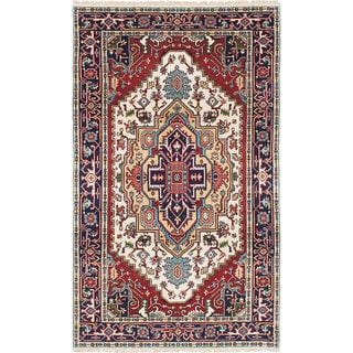 eCarpetGallery Serapi Heritage Ivory/Red Wool/Cotton Hand-knotted Rug (4'8 x 7'9)