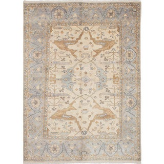 eCarpetGallery OrientalRoyal Ushak Ivory Wool and Cotton Hand-knotted Area Rug (7'7 x 10'5)