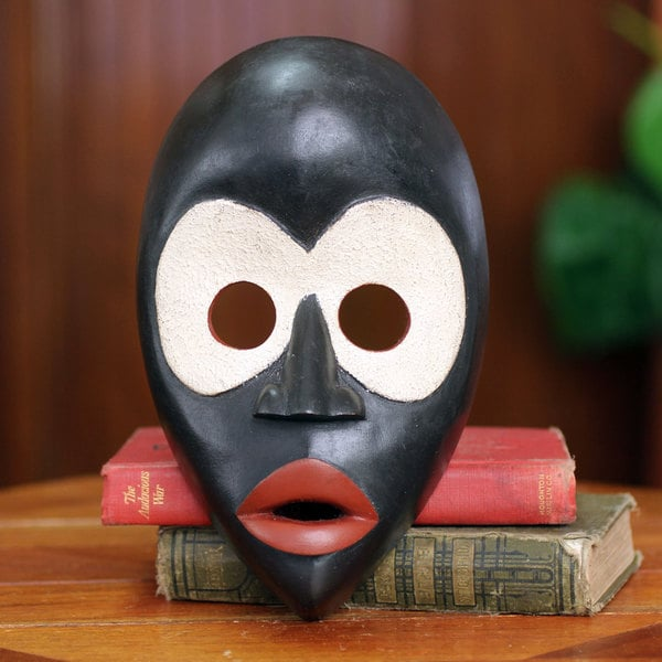 Handcrafted Sese Wood 'Peacemaker' African Wall Mask (Ghana)
