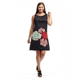 La Cera Women's Appliqued Sleeveless Round Neck Dress