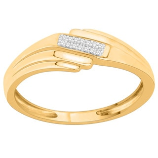 Trillion Designs 10k Yellow Gold Diamond Accent Cluster Wedding Band Ring (H-I, I1-I2)
