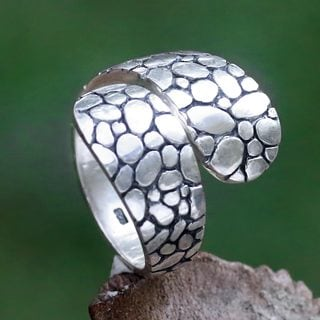 Handcrafted Sterling Silver 'Pebbles in the Stream' Ring (Indonesia)