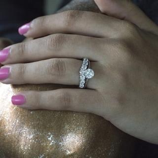 TwoBirch Platinum 1ct TDW Diamond Contour Anniversary Wedding Ring