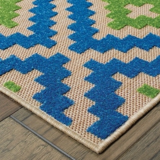 Geo Diamond Lattice Sand/Blue Polypropylene/Synthetic Indoor/Outdoor Rug (6'7 x 9'6)
