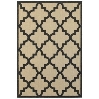 Quatrafoil Lattice Sand/Charcoal Indoor/Outdoor Rug (5'3 x 7'6)