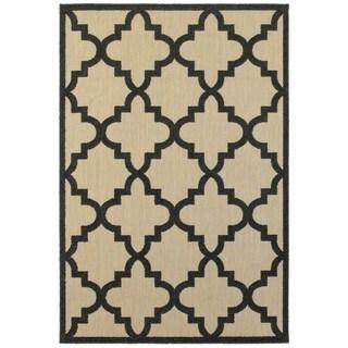 Style Haven Beige Polypropylene Quatrafoil Lattice Indoor/Outdoor Rug (6'7 x 9'6)