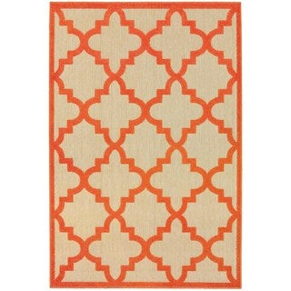 Style Haven Quatrafoil Sand/ Orange Polypropylene Lattice Indoor/ Outdoor Rug (5'3 x 7'6)