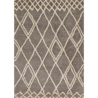 Hand-tufted Xander Granite/ Sand Moroccan Trellis Shag Rug (7'6 x 7'6 Square)