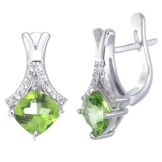 Sterling Silver 1.40-carat Peridot Stud Earrings