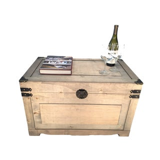 Decorative Newport Medium Wood Steamer Trunk Wooden Walnut Treasure Hope Chest