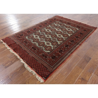 Persian Multicolor Wool/Silk Hand-knotted Oriental Rug (4'8 x 6'9)
