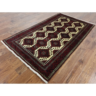 Hand-knotted Oriental Persian Baluch Multi Wool Rug (4'1 x 7'1)