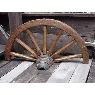 Handmade Groovystuff Brown Teak Dry Gulch Wagon Wheel (Thailand)