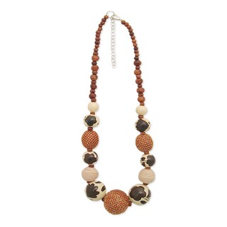 Handmade Hand-painted Women's Wood Beaded Necklace (India)