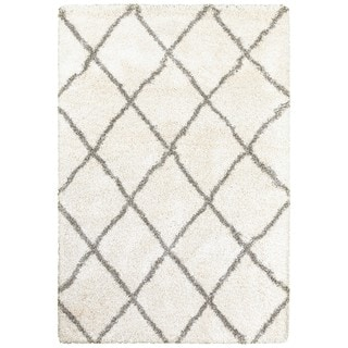 Diamond Lattice Ivory/Grey Polypropylene Shag Rug (7'10 x 10'10)