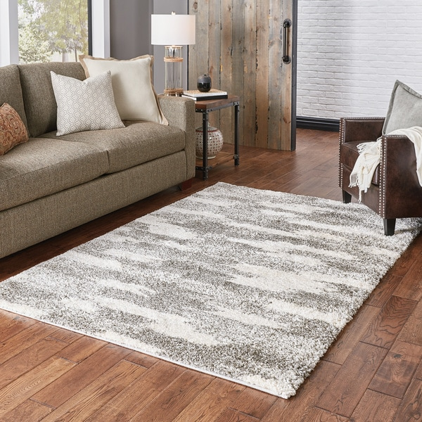 "Porch & Den Newstead Ivory and Grey Blocks Shag Area Rug - 7'10"" x 10'10"""