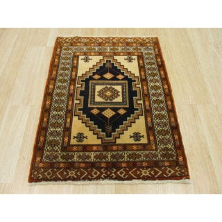 Hand-knotted Wool Ivory Traditional Oriental Turkman Rug (2'2 x 2'10)