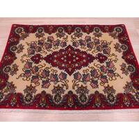 Hand-knotted Wool Ivory Traditional Oriental Kashan Rug (2'2 x 3'1)