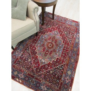 Hand-knotted Wool Red Traditional Oriental Gholtogh Rug (4'3 x 6'5)