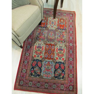 Hand-knotted Wool Traditional Oriental Qum Rug (3'2 x 5'2)